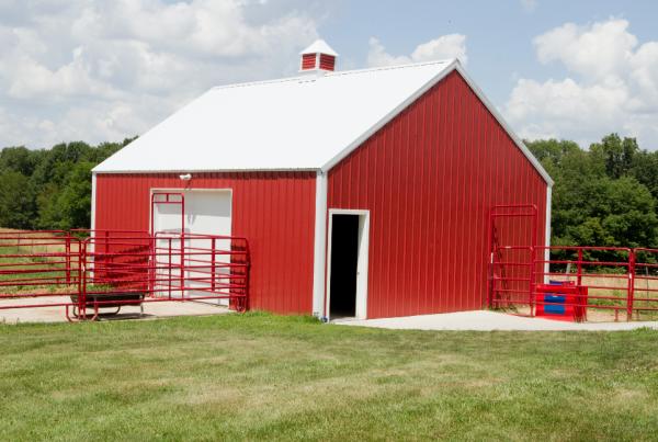Custom Shops Iowa City, North Liberty and Solon | New Construction | General Contractor